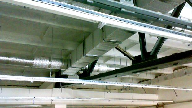 Система повітряного опалення торгового центру на стадії монтажу (розроблено фахівцями ТОВ «Ватіс»)